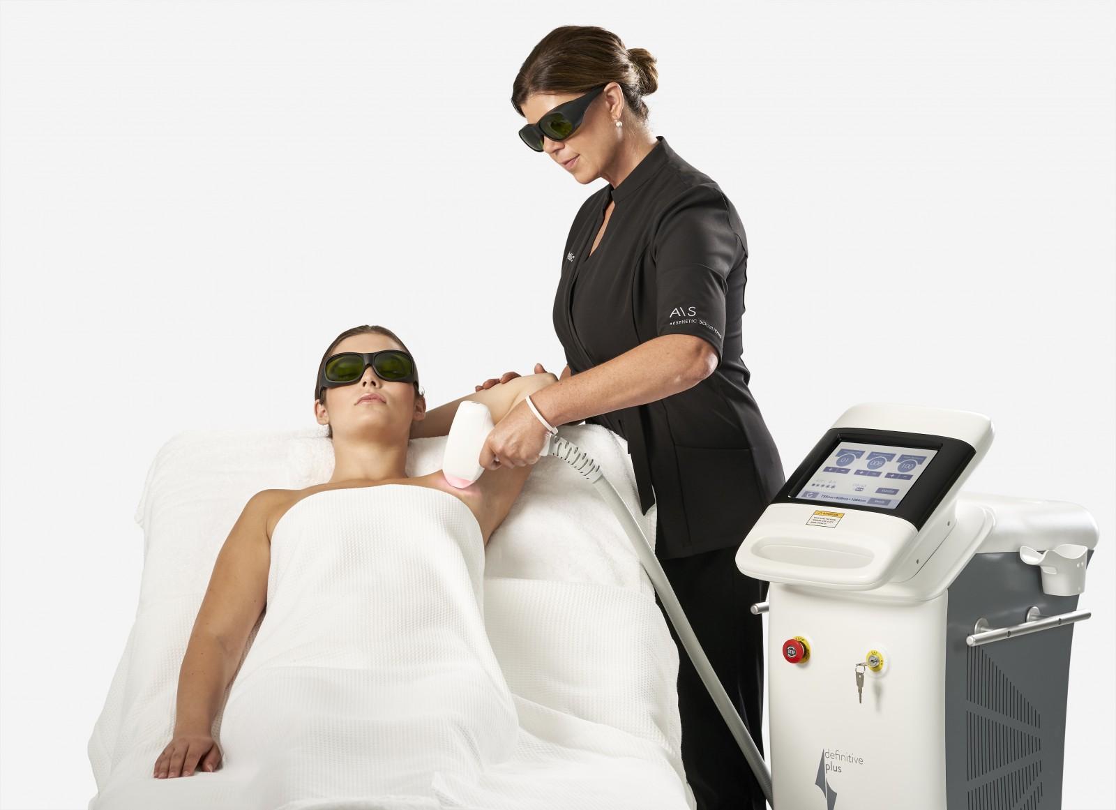 Laserbehandeling met het Definitive Plus toestel